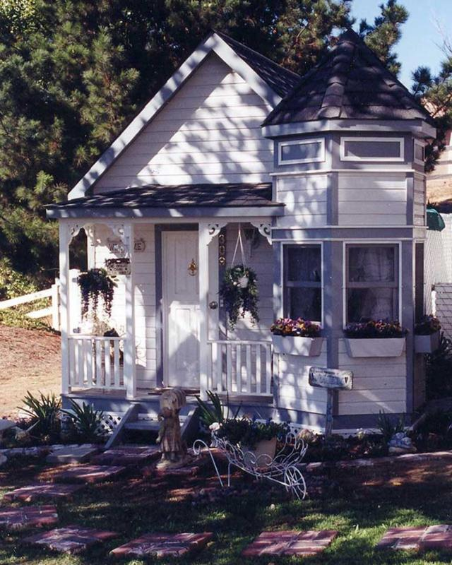 1. Victorian Dog House - $US25,000